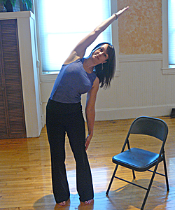 2-office-yoga-crescent-side-stretch